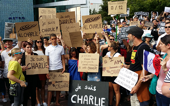 New Zealanders and French expatriates rally in support of the killed Charlie Hebdo cartoonists, policemen and their families in Auckland's Aotea Square on Friday. Image: David Robie/PMC