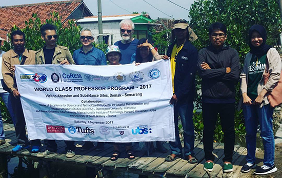 Three of the professors on the WCP programme - including Dr David Robie (centre rear) - at Tinbulsloko village, near Semarang. Image: Del Abcede/PMC