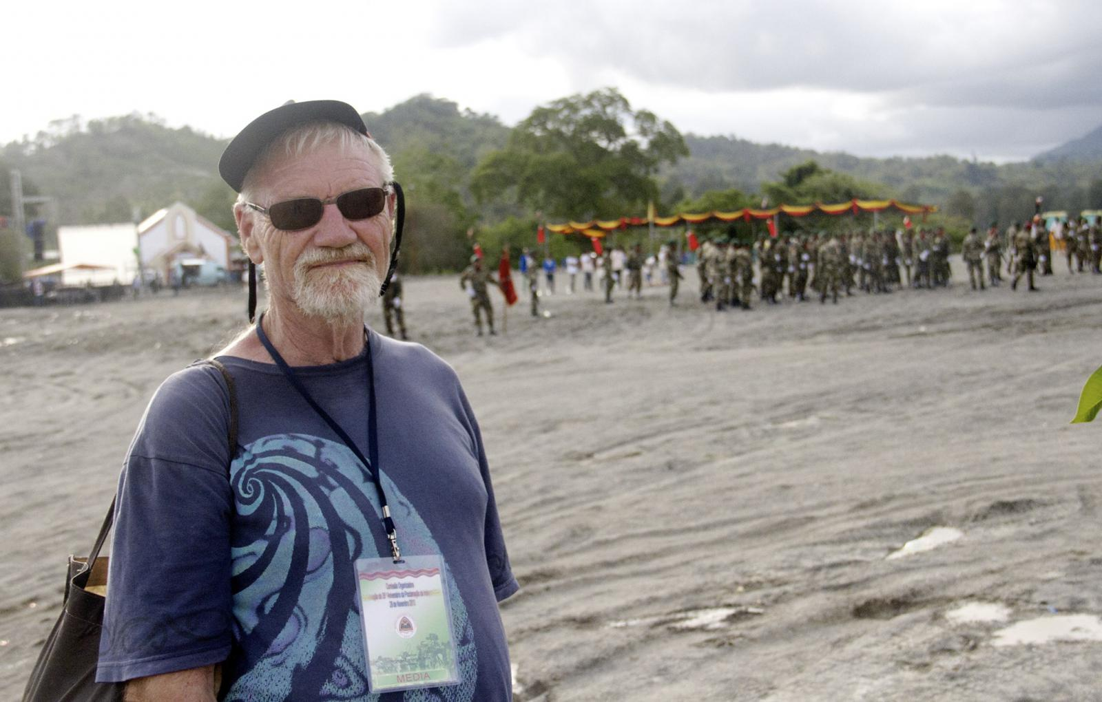 Dr David Robie on the parade ground at Kraras at the wind-up of the independence celebration. Photo: Eddy Pinto/Max Stahl Video Archive