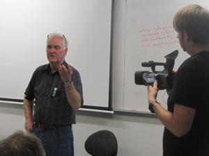 Murray Horton at last night's seminar. Photo: Alex Perrottet/PMC