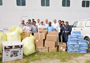 Carnival Legend offloads aid supplied in Santo. Image: Vanuatu Daily Post